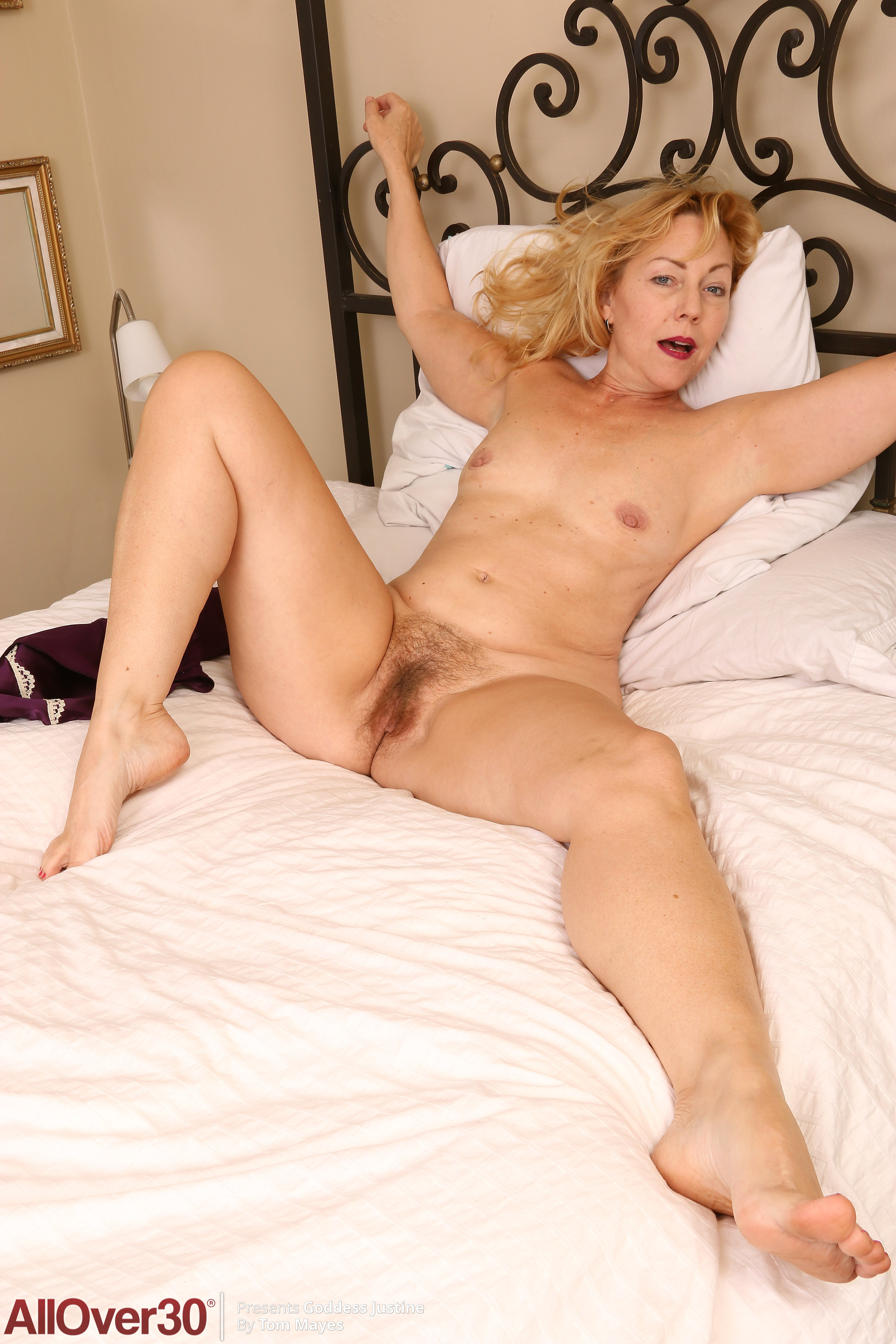 53 Year Old Goddess Justine - Exclusive Milf Pictures From -1358