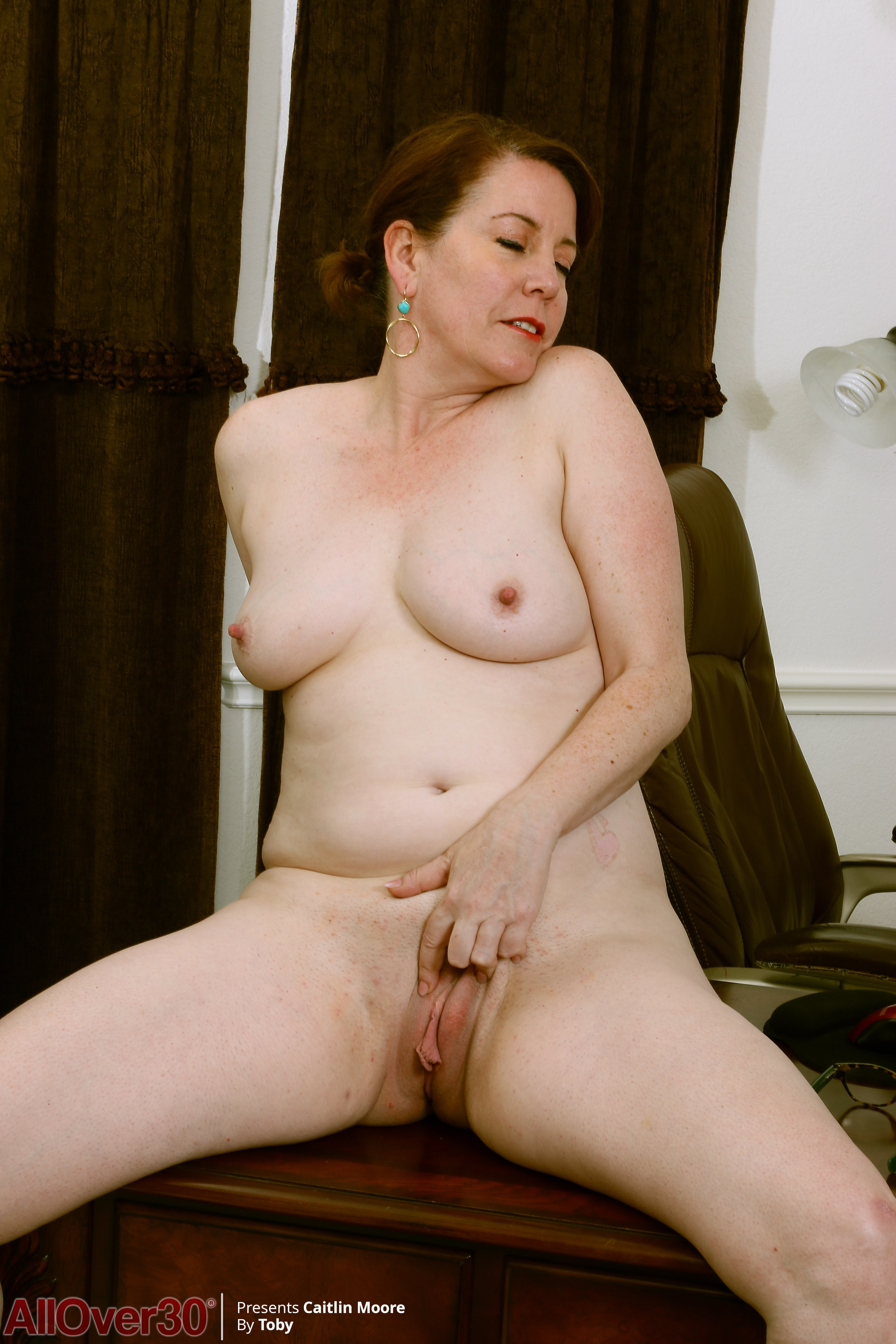 52 Year Old Caitlin Moore - Exclusive Milf Pictures From -2858
