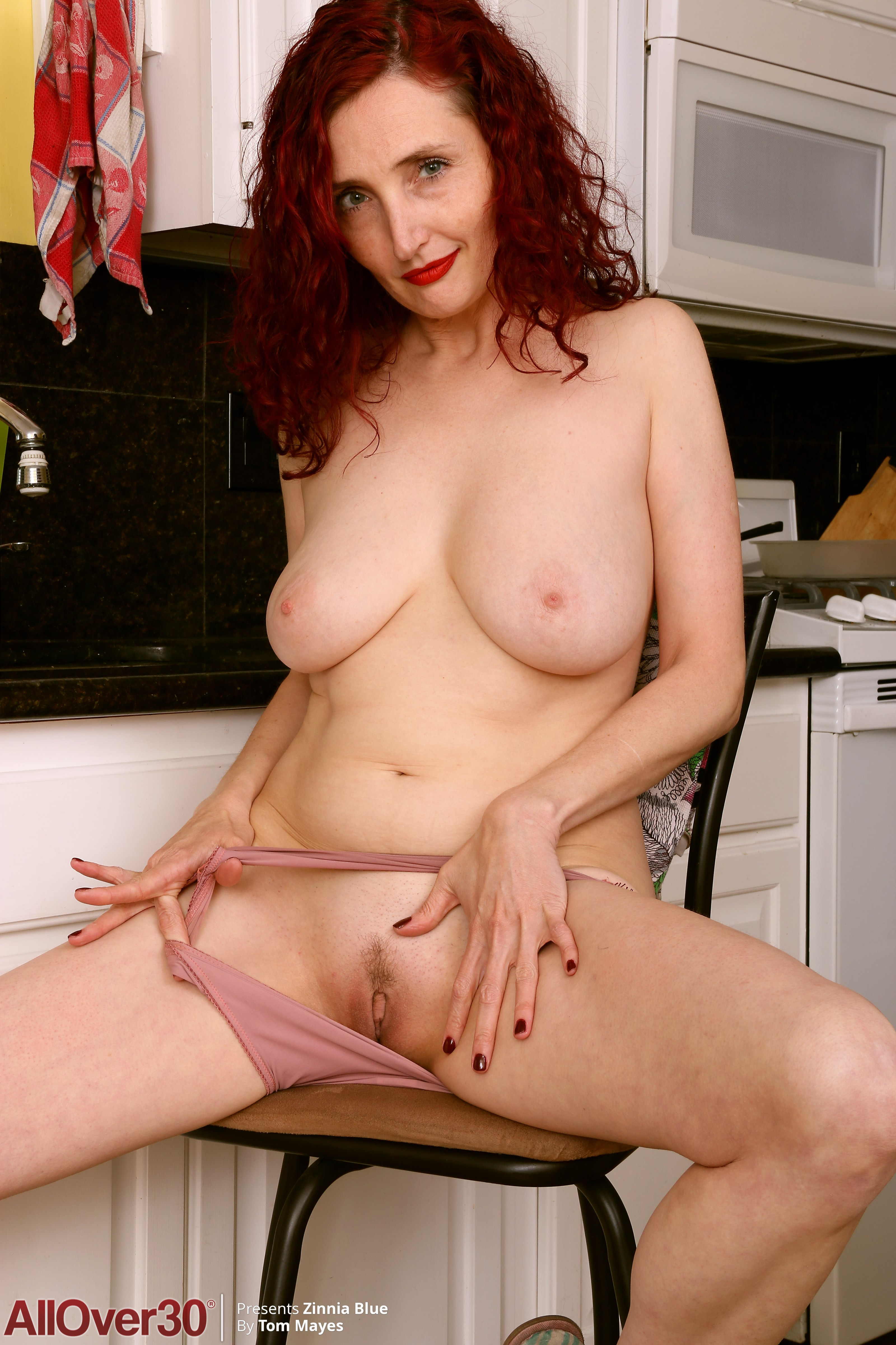 43 Year Old Zinnia Blue - Exclusive Milf Pictures From -5493